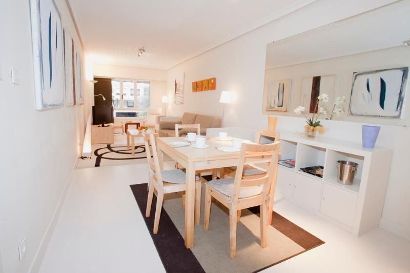 Living - dining room - Affordable modern refurbished close 2 stadium WIFI - San Sebastian - Donostia - rentals