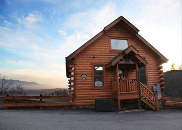 Quaint, Cozy, Wide Open Spaces, Resort Pool, Workout Rm., Sauna & Picnic Area - Image 1 - Sevierville - rentals