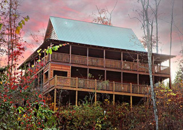 Off the Clock, Vaulted Ceilings, Stacked Fireplace, Wrap-around Porches - Image 1 - Sevierville - rentals