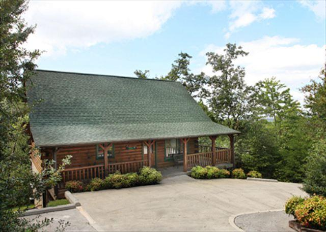 Rustic Fireplace, Vaulted Ceilings, 2 Game Rooms, Home Theater, Gazebo - Image 1 - Sevierville - rentals