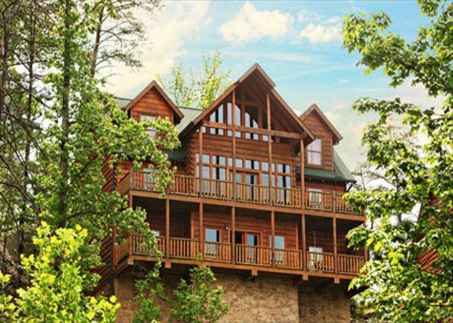 Stunning Views From Three Decks, Resort Pool, Sleeps 22, Dogs Welcome - Image 1 - Sevierville - rentals