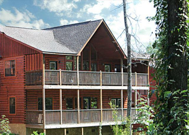 Cabin - Theater Mountain Hideaway a four bedroom cabin - Pigeon Forge - rentals