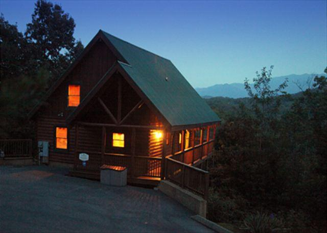 Cabin - Tranquility a two bedroom cabin located minutes from the tranquil Smoky Mtns. - Pigeon Forge - rentals