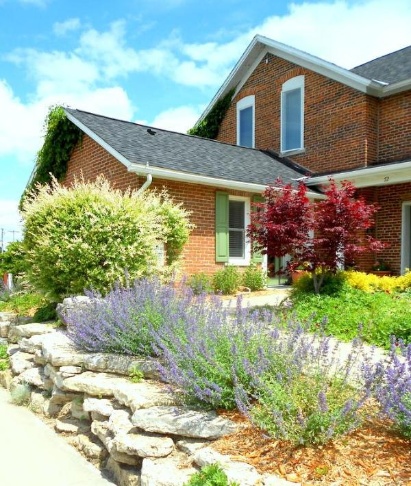 Rock Garden - Charming Brick Farmhouse with a touch of Elegance - Winona - rentals