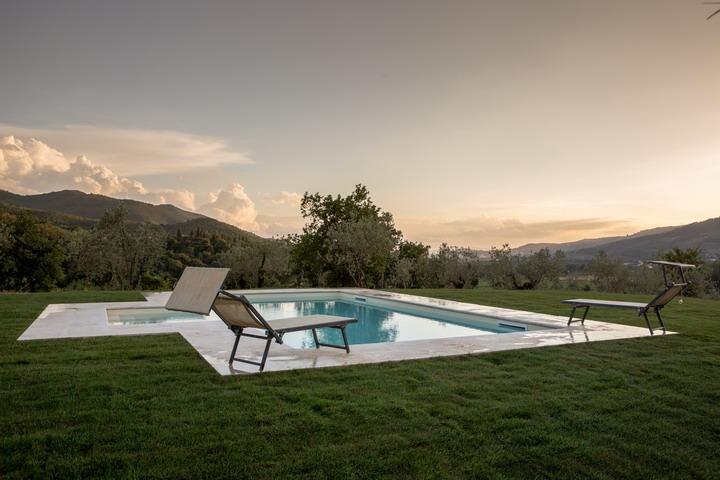 Gaggioleto, magnificent panoramic villa among the singular hills of Cortona. - Image 1 - Castiglion Fiorentino - rentals
