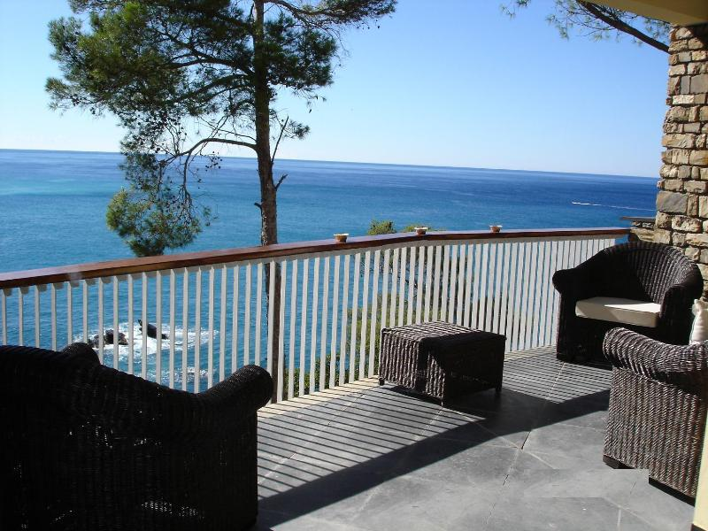 Terrace overlooking the sea - A paradise on the shores,direct access to the sea - Zoagli - rentals