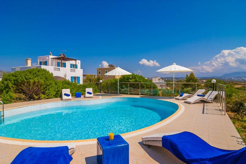 Villa Ble, a  spacious 4 bedroom  villa in Stavros - Image 1 - Chania - rentals