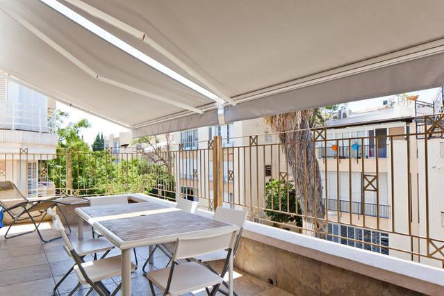 Deck - Patio - Balcony - Home Sweet Home, steps away from Gordon & Hilton Beach - Tel Aviv - rentals