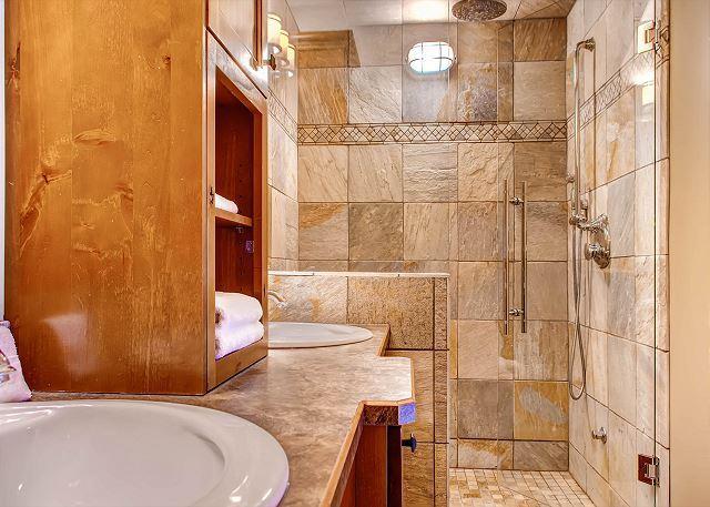 Master Bathroom Shower - Parker's Den Feather Top Location Sleeps 10 - Big White - rentals