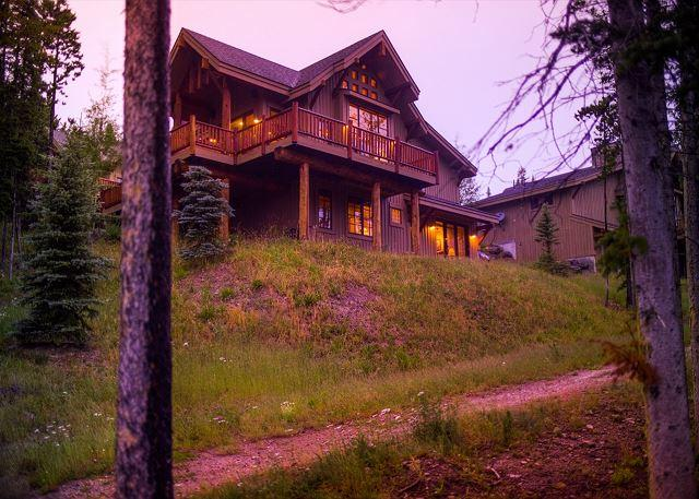 Beautiful Moonlight Mountain Home with Perfect Ski-In, Ski-Out Access - Image 1 - Big Sky - rentals