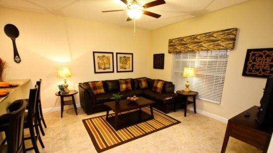 4 Bedroom 3 Bathroom Town Home in Paradise Palms Resort. 8955CAT - Image 1 - Orlando - rentals