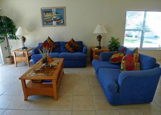 Dazzling 4 Bedroom 2 Bathroom Golfers Paradise with Private Pool. 1470WW - Image 1 - Orlando - rentals