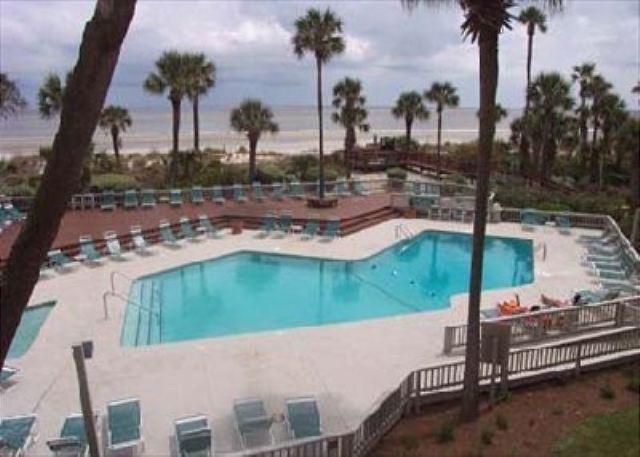 Pool at Captains Walk - Captains Walk 484, 5th floor Oceanfront, 2 Bedrooms, Large Pool, Sleeps 6 - Hilton Head - rentals