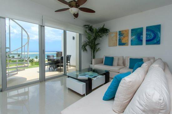Penthouse Mareazul - Living room with ocean views - Playa del Carmen vacation rentals - Mareazul PH - Playa del Carmen - rentals