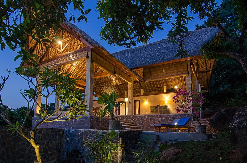 SANGLUNG Villa, North Bali  Private Pool. - Image 1 - Kubutambahan - rentals