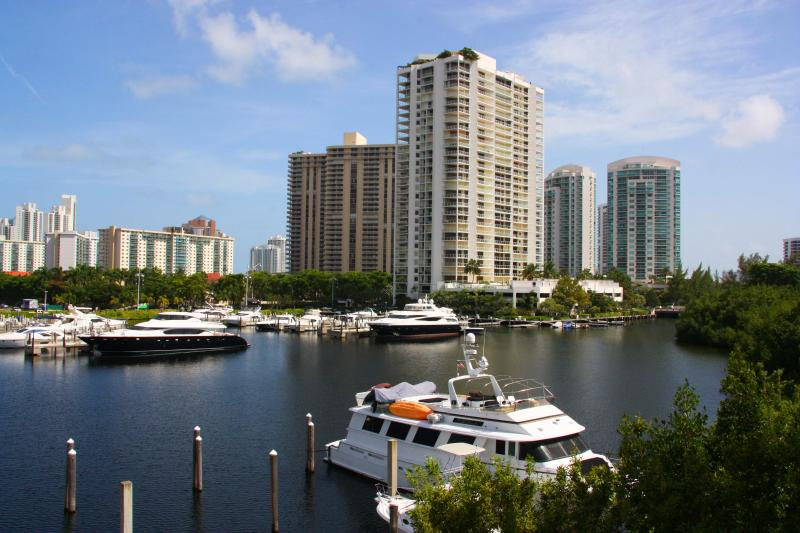 The Yacht Club at Aventura. Waterview  1Bedroom b3 - Image 1 - Aventura - rentals