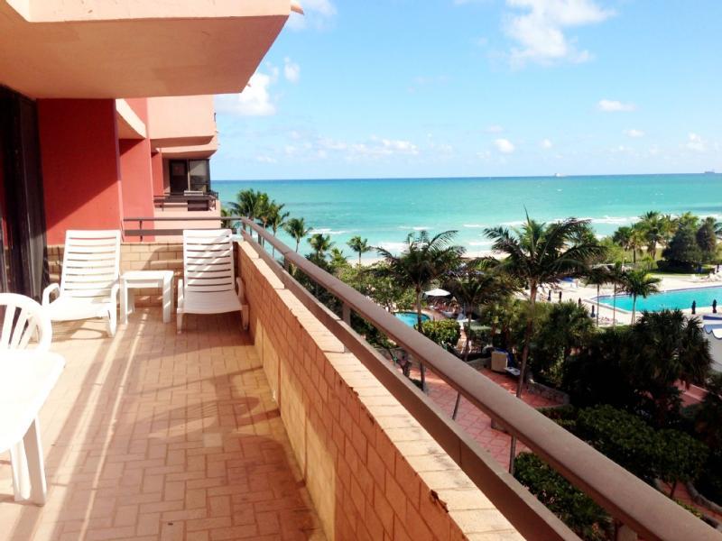 Signature Ocean View Corner Unit - Image 1 - Miami Beach - rentals