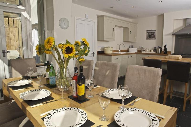 Chesfield Web Versions 7 - Chesfield - Salcombe - rentals