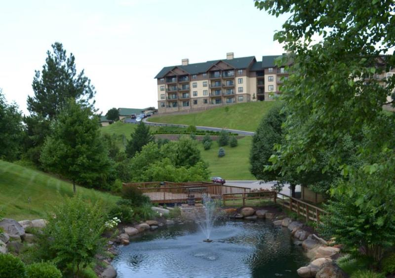 Beautiful vistas and impeccably cared-for condos make this an exceptional getaway - Mountain Getaway – Wyndham Smoky Mountains Resort 2-Bedroom Condo - Sevierville - rentals