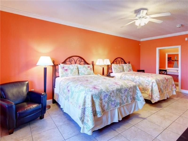 Beachside Inn - 2 Queen Beds - Image 1 - Destin - rentals