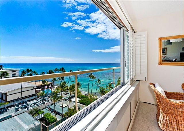 Ocean view from the rental. - Ocean and Diamond Head views from this Beachfront Building! - Waikiki - rentals
