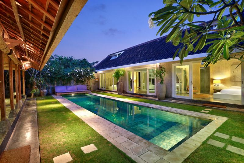 ☆ Rustic Charm with a Modern Twist - up to 6 ☆ - Image 1 - Seminyak - rentals