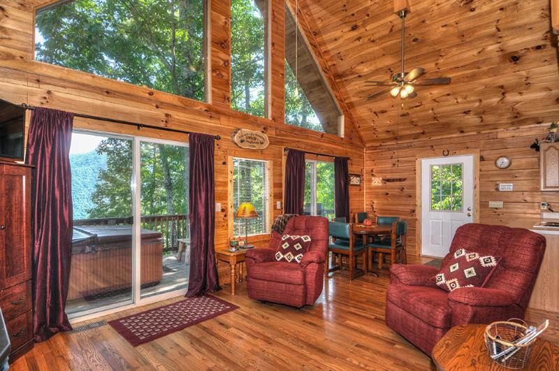 2 patio doors to enjoy your fall views. Bright & airy perfect size for party of 2 or 6. H/T G/F G/G - Cozy,Quaint,Private!Perfect for 2 or party of 6! - Maggie Valley - rentals