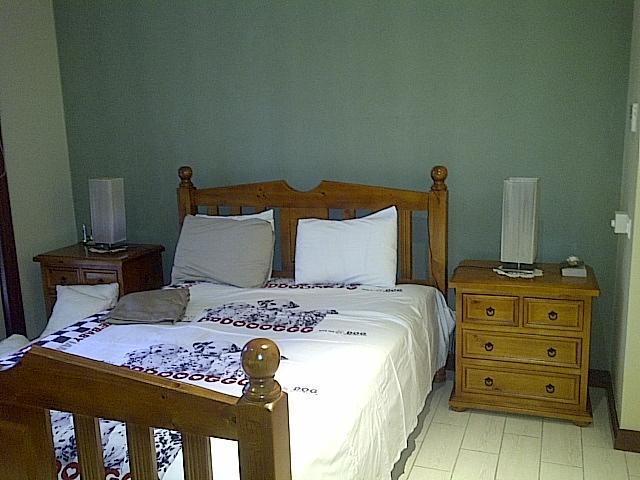 bedroom - all inclusive 1 bedroom apartment - Victoria - rentals