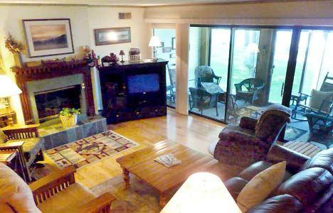 Living Room - ATTACHED LODGES - CHIPMUNK 4 - Lake Placid - rentals