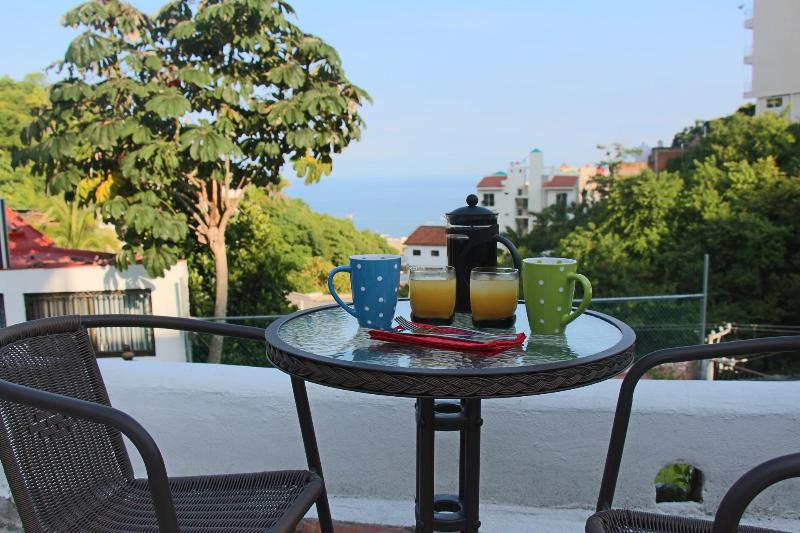 Enjoy morning coffee by the pool less than 10 minutes walk to the beach - 3 Bedroom Townhouse in Old Town - Puerto Vallarta - rentals
