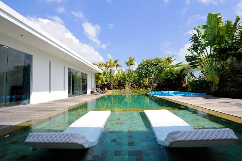 Amazing Luxury villa, 14 m Pool, Rice field view - Image 1 - Seminyak - rentals