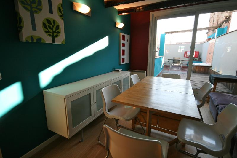 Attic Duplex Flat with Terrace/Wifi - Image 1 - Madrid - rentals