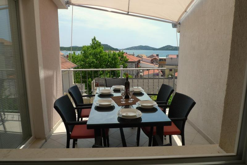 Balcony with beautiful sea view - ApartmentHouse Ivana (6+2) - Betina - rentals