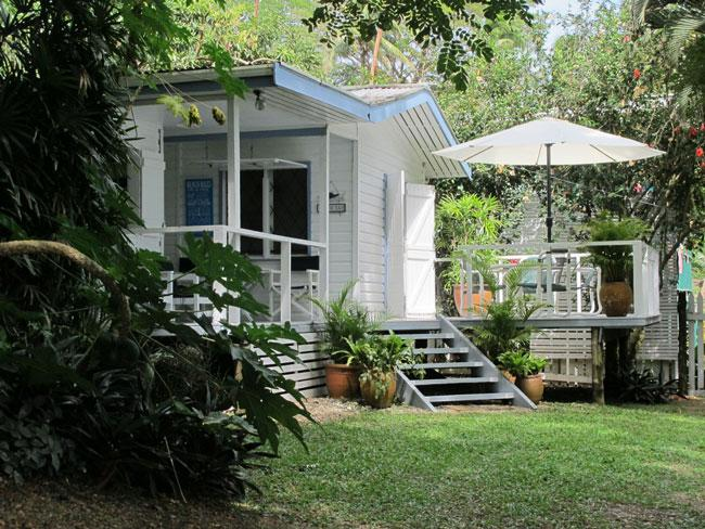 Bayside Bure - Bayside Bure.....beachy living at a peachy price!! - Savusavu - rentals