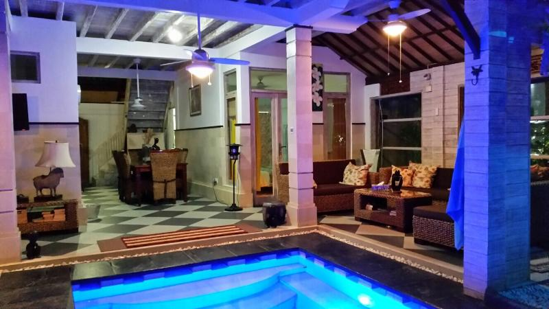Living and Dining area - Firdaus 100X peaceful modern villa, Seminyak, Bali - Seminyak - rentals