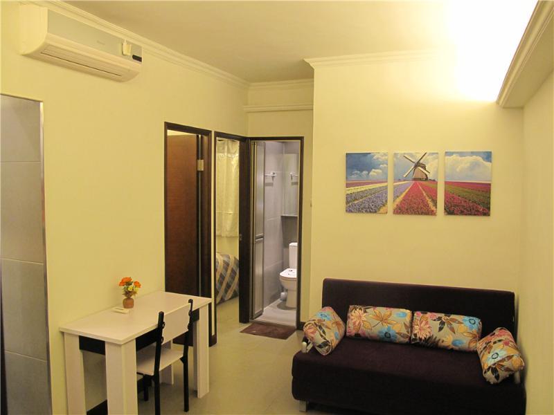 Near MTR, Fantastic 3 rooms Fit 8, Temple st. - Image 1 - Hong Kong - rentals
