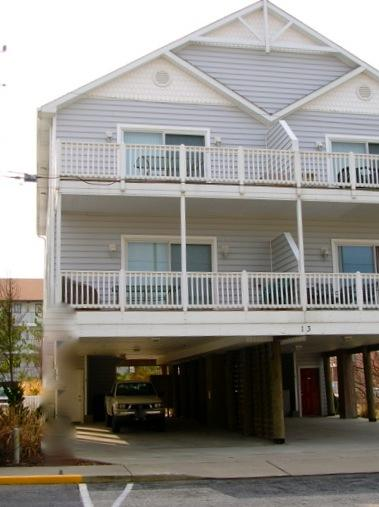 Beautiful, huge, lots of parking & ocean views - Sleeps 12, Nice value and space, view of the ocean - Ocean City - rentals