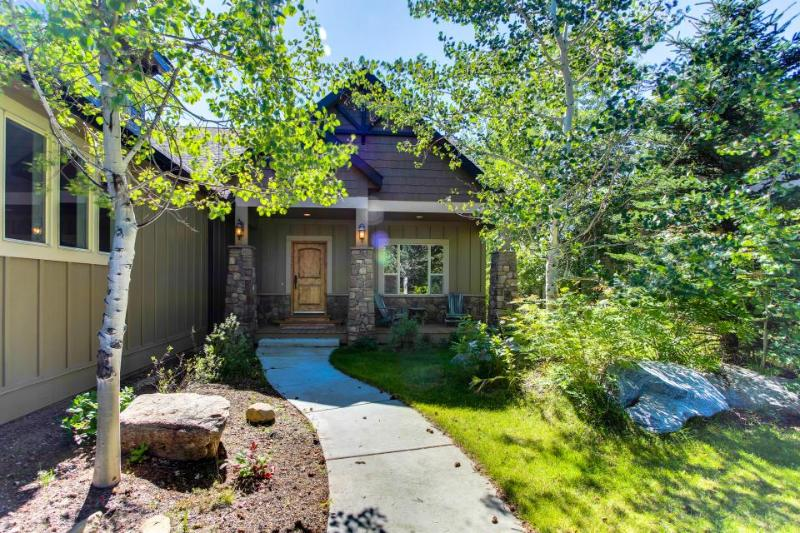 Luxury home w/ game room, pool table, hot tub, & nearby golf - Image 1 - McCall - rentals