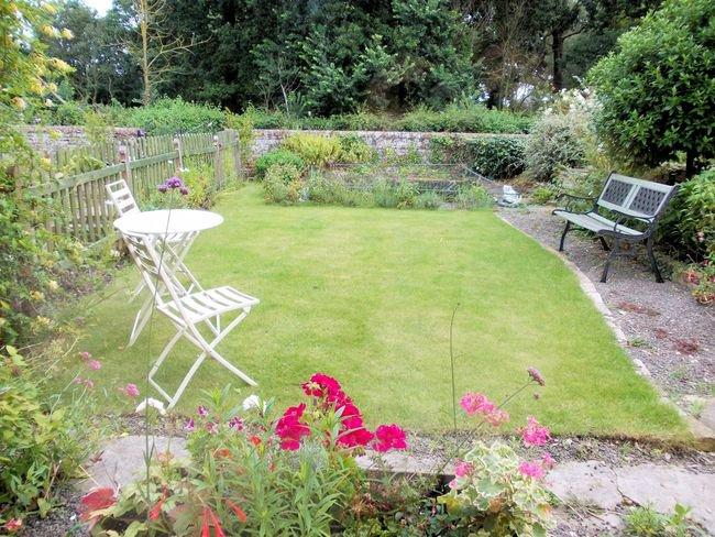 Garden with seating and pond - TVIN8 - Freethorpe - rentals