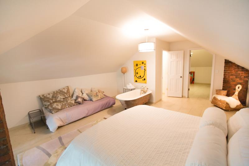 Master Suite Vivas Guesthouse - Vivas guest house - Columbus - rentals
