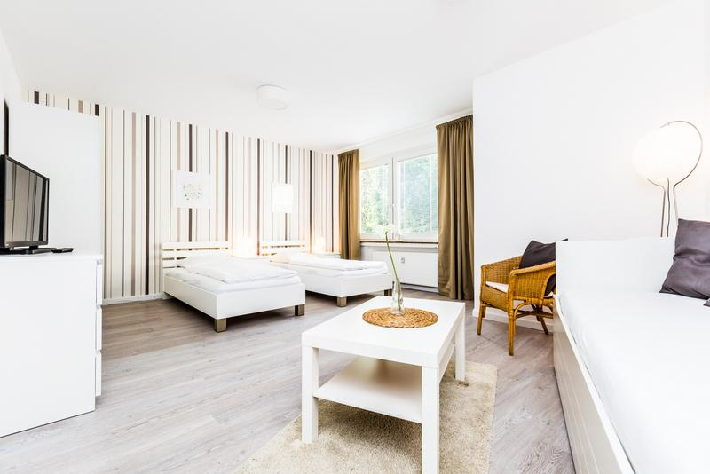 95 Modern Center apartment for 4 in Cologne Deutz - Image 1 - Cologne - rentals