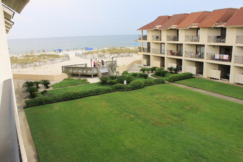 Townhouse on the beach ~ Gulfside Townhome #32 (2bed) - Image 1 - Gulf Shores - rentals