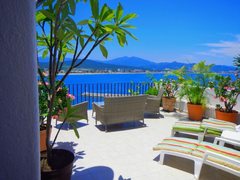 Terrace - Oceanfront Luxury condo rental in Puerto Las Hadas - Manzanillo - rentals