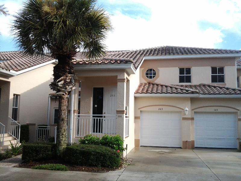 Luxury Gated Condo- Flexible Term-3 miles to beach - Image 1 - Bonita Springs - rentals