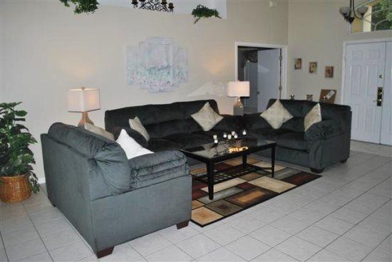 Cute 3 Bedroom 2 Bathroom Pool Home in Westridge. 254MD - Image 1 - Orlando - rentals