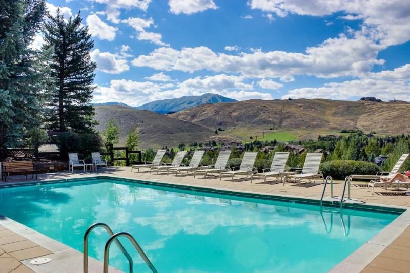 A beautiful quiet condo & Elkhorn's most scenic pool/hot tub - Image 1 - Sun Valley - rentals