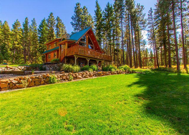 Huge Grass Area - Fall-Winter Specials! Picturesque Log Cabin on 5 Private Acres!  5BR|3BA! - Cle Elum - rentals