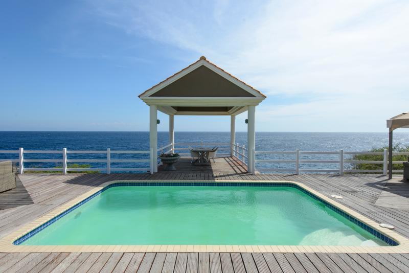 Pool and Sea!  All yours! - Lux on the sea! Stays through April 1 - 10% off! - Curacao - rentals