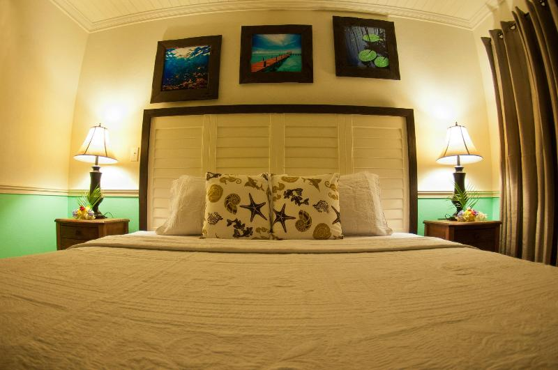 King Bedroom - King @ Villa Allamanda - Governor's Harbour - rentals