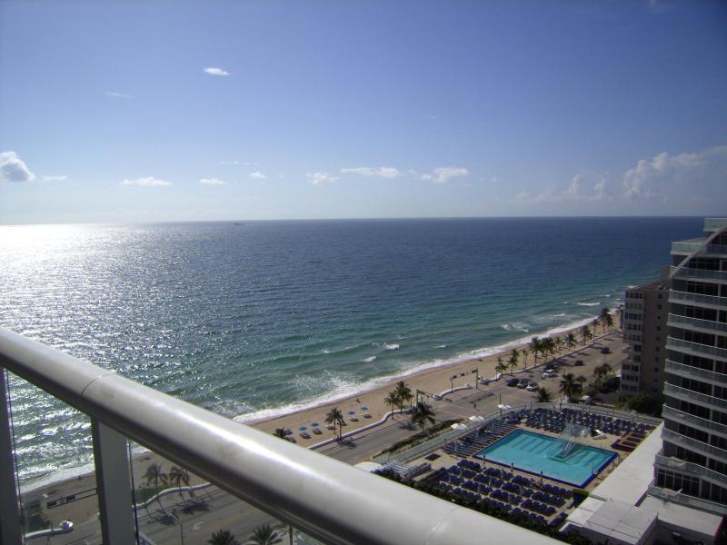 Hilton Fort Lauderdale Beach Resort - Stunning 19t - Image 1 - Fort Lauderdale - rentals